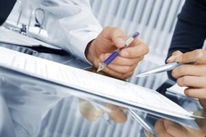 Трехсторонний договор цессии между юридическими лицами: его существенные условия и образец данного документа