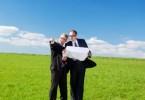 Как передать право аренды земли другому?