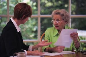 Завещание на квартиру: что это за документ и какие его плюсы и минусы должен знать собственник?
