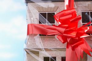 Как правильно подарить квартиру?