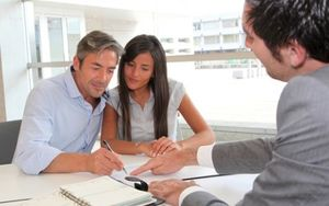 Как происходит оформлени сделки дарения недвижимости?