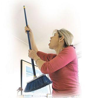 До скольки можно шуметь в квартире и что делать, если соседи сверху нарушают ваш покой?
