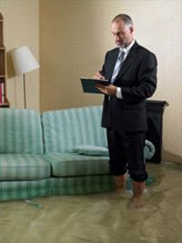 На чьей стороне закон в случае затопления квартиры?