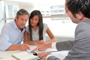 Дарение квартиры или ее доли по доверенности и как ее оформить на третьих лиц по образцу