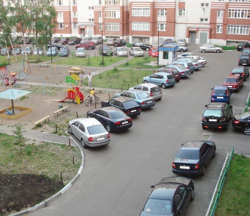 Правила организации мест парковки для легковых автомобилей во дворе