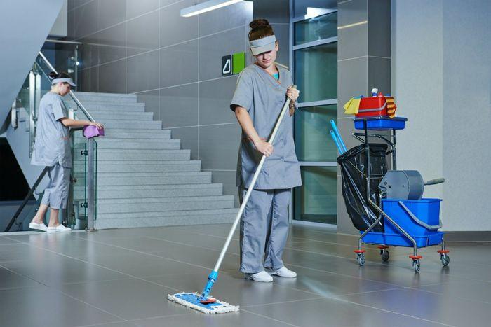 Ответственность управляющей компании по уборке подъездов и лестничных клеток
